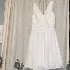 Dresses & Skirts - White gown